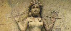 Portada - Relieve de la 'Reina de la Noche', una figura que por lo general está considerada como uno de los aspectos de la diosa Ishtar/Inanna (CC by SA 2.0)