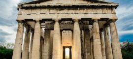 Templo de Hefesto en las ruinas de Ágora, Atenas, Grecia.