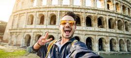 Selfie representativa tomada en el Coliseo, Roma