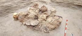 Trabajadores de tuberías descubren entierro de la cultura chilca en Perú