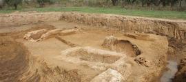 Los arqueólogos han desenterrado ocho tumbas dentro de la necrópolis de Elis como parte de una excavación de rescate en Ilia.