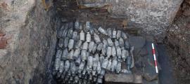 Se han encontrado cientos de botellas de cerveza venenosa en el sitio de Leeds, Inglaterra. Fuente: Servicios Arqueológicos WYAS