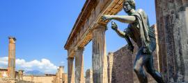 Evidencia de una logia de la sociedad secreta encontrada en Pompeya. Aquí el templo de Apolo. Fuente: Boris Stroujko / Adobe Stock