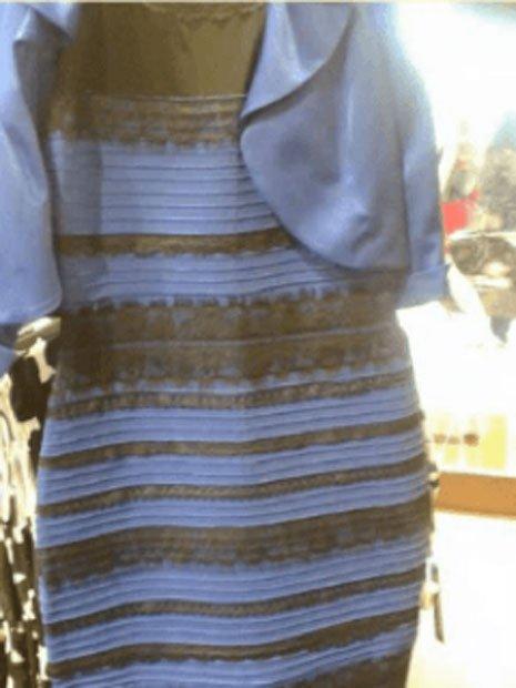 La fotografía del vestido que hizo que millones de internautas discutieran sobre los colores presentes. (Dominio público)