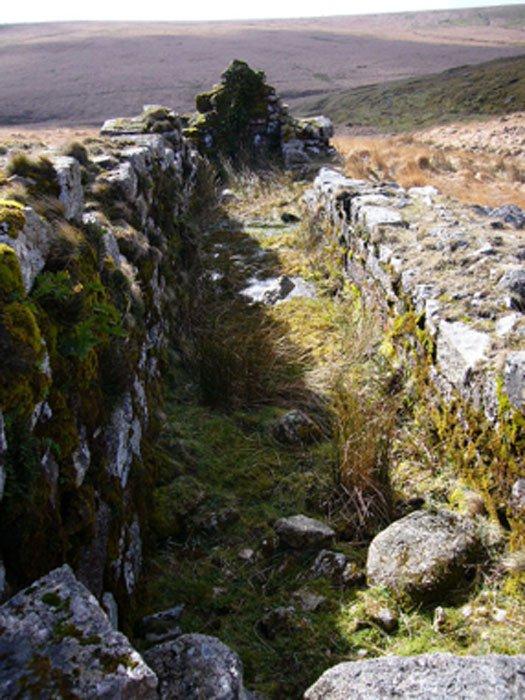 Los restos de la carretilla en la mina Huntingdon en el sur de Dartmoor, donde se extrajeron el estaño y el cobre. (Herbythyme / CC BY-SA 4.0)