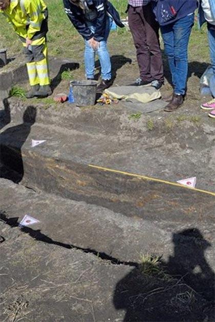 La excavación de prueba en 2019 descubrió que parte de la quilla estaba bien conservada. (Museo de historia cultural)