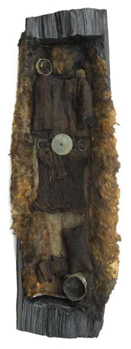 Tumba de la mujer encontrada en Egtved, Dinamarca, conocida como la niña Egtved. (Museo Nacional de Dinamarca)