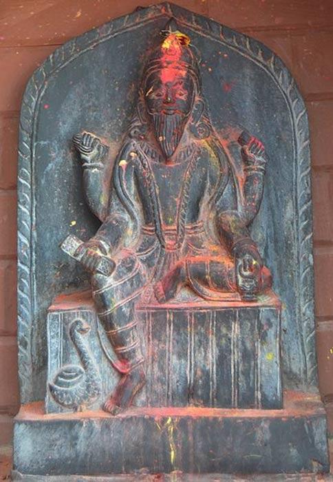 Una estatua de Visvakarman, el ingeniero del universo. Suraj Belbase/Wikimedia Commons, CC BY-SA